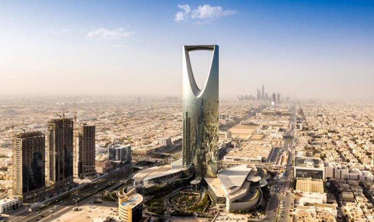 Вакансии из Саудовской Аравии: флористы, официанты, баристы, ассистенты менеджера ресторана